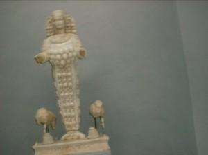 20030612selcukefes-muzesiartemis-heykeli05
